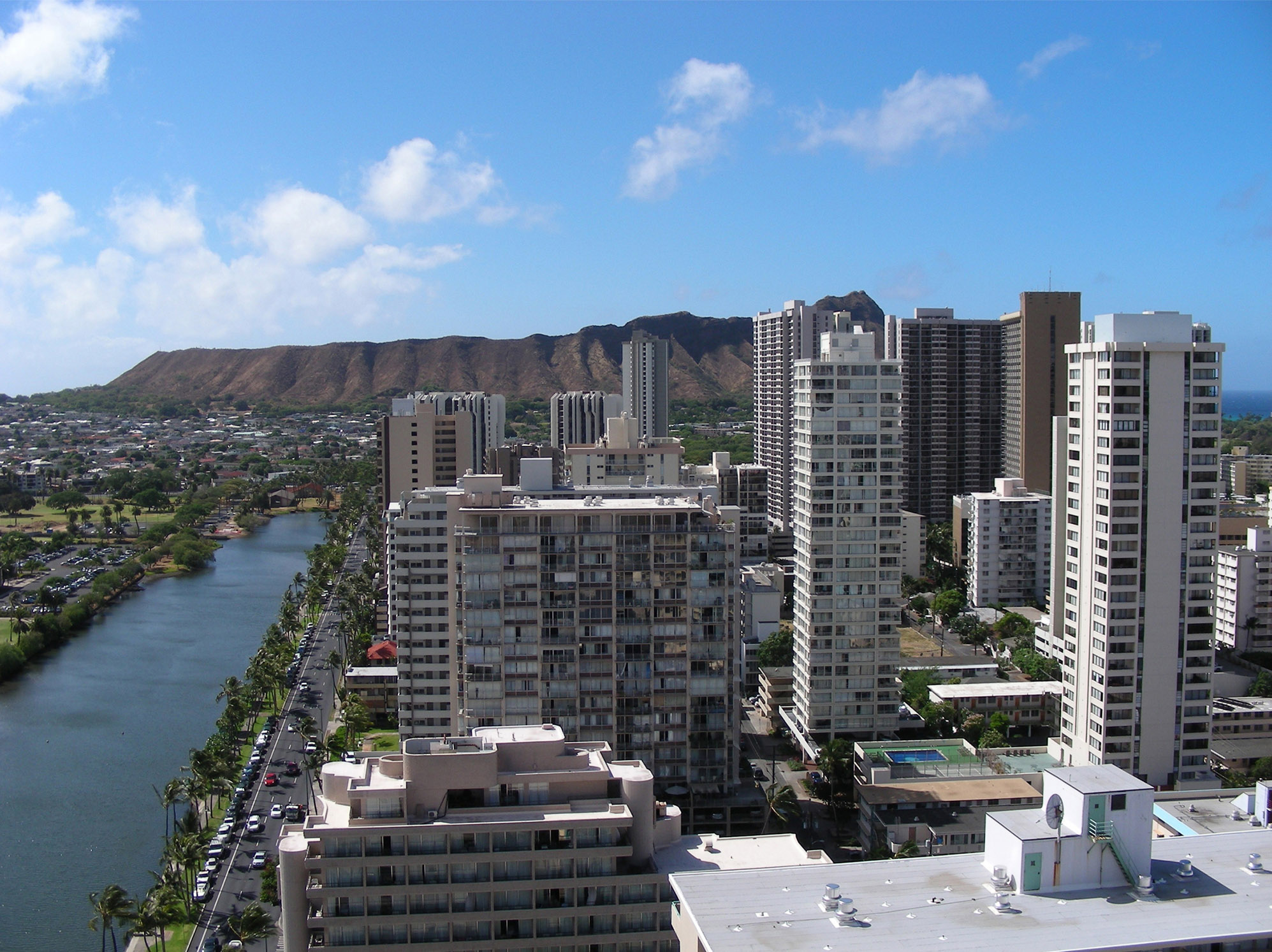 [Waikīkī and Diamond Head] Photo by Kristina D. C. Hoeppner, available under a Creative Commons Attribution–ShareAlike 2.0 Generic License.
