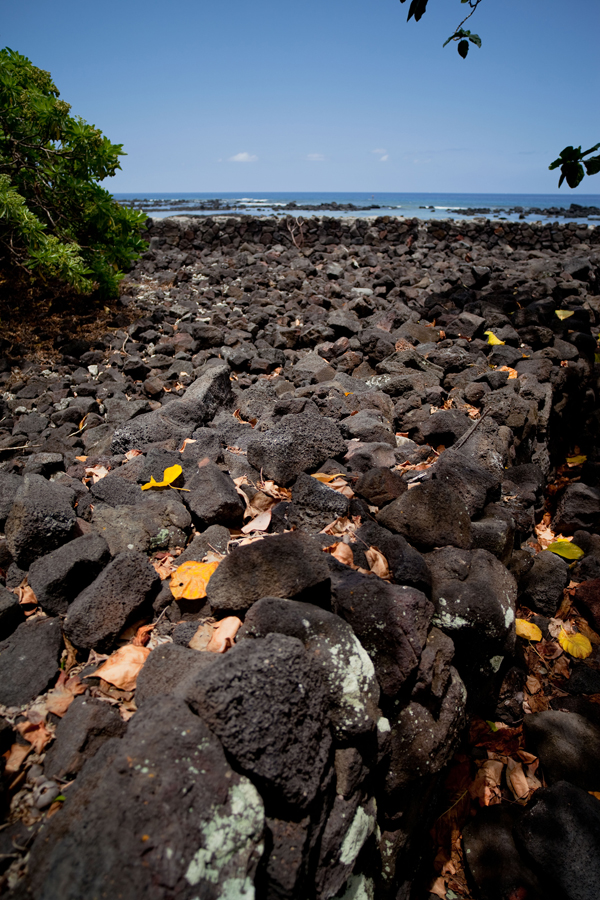 [Heiau near ocean] Photo by Ruben Carillo.